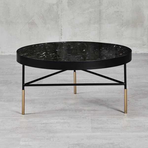 Fridra Couchtisch Durchmesser 70 cm Höhe 35 cm Glasplatte mit Marmordruck Schwarz pulverbeschichteter und goldfarben galvanisierter Eisenrahmen