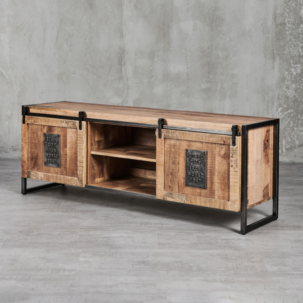 TV-Lowboard Thorkas aus Mangoholz - Industrial-Style mit Schiebetüren und Eisenrahmen 2 Schiebtüren dahinter 3 Fächer mit je einem Einlegeboden