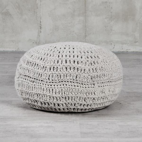 Pouf Pibala Hocker mit handgestricktem Bezug aus 100 % indischer Schurwolle Sitzkissen Durchmesser 50 cm Höhe 35 cm Farbe Silver Grey