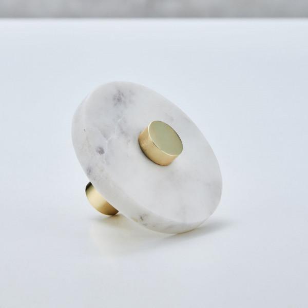 Vareba Garderobenhaken aus weißem Marmor Wandhaken mit goldfarben galvanisiertem Aluminium  Durchmesser 7,5 cm Tiefe 5,5 cm