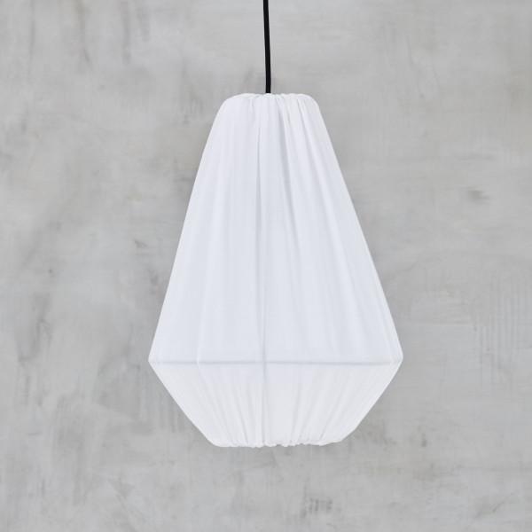 Lampen-Design Hängelampe Bolveig mit weißem Bezug aus 100% Baumwolle und Hängeleuchte mit pulverbeschichtetem Eisengestell