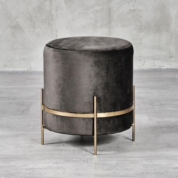 Sitzhocker Pouf Abanda zylinderförmig Durchmesser 43 cm Höhe 46 cm aus Samt in Night Grey mit goldfarben galvanisiertem Stahlrahmen