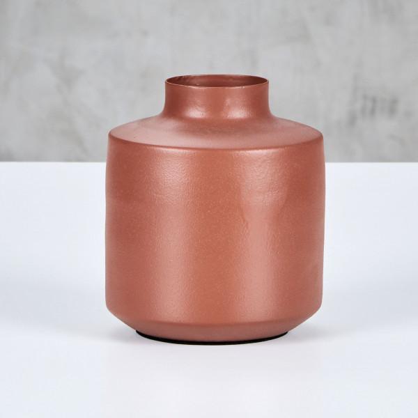 Minimalistische Vase Danuk Höhe 14 cm Durchmesser 13,5 cm in  Terra Sunburn matt aus pulverbeschichtetem Eisen