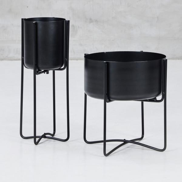 Blumenständer Helmana im zweier Set Pflanzenständer aus pulverbeschichtetem Eisen in schwarz  Durchmesser A 37,5 cm  Höhe 39,5 cm und Durchmesser B 20 cm Höhe 53,5 cm