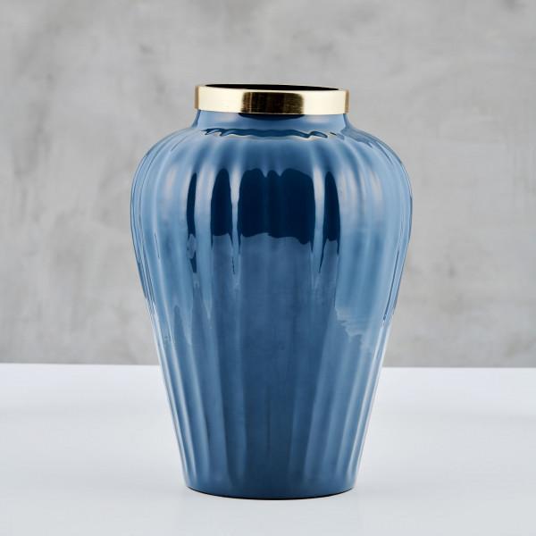 Vase Selkone mit emailliertem Eisen-Korpus in Seaport Blue mit goldfarben galvanisiertem Hals Größe Durchmesser 20 cm Höhe 30 cm
