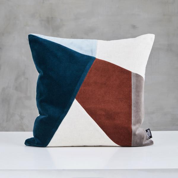 Sofakissen Talykke Samt Kissen mit Baumwoll Bezug geometrisches Muster in Rot Braun Blau Kantenlänge 45 cm